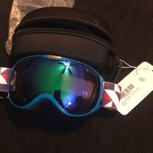 Other - NWT-youth ski goggles